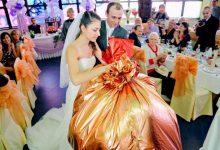 Несколько десятков способов подарить оригинально деньги на свадьбу
